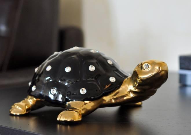 Талисман черная черепаха