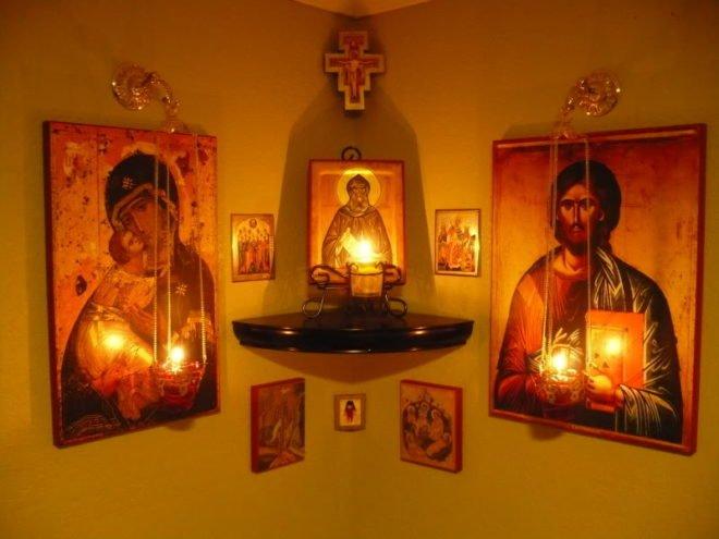 Иконы со свечами