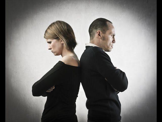 мужчина и женщина, обиженные друг на друга