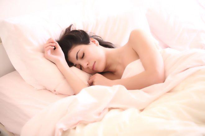 спящая жена