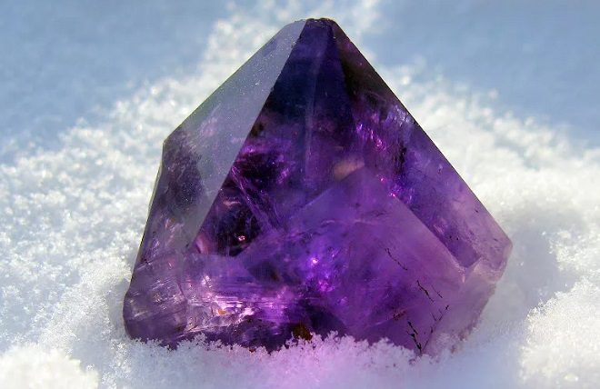 фиолетовые камни значение